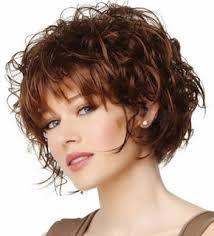 Coupe cheveux courts femme de 50 ans