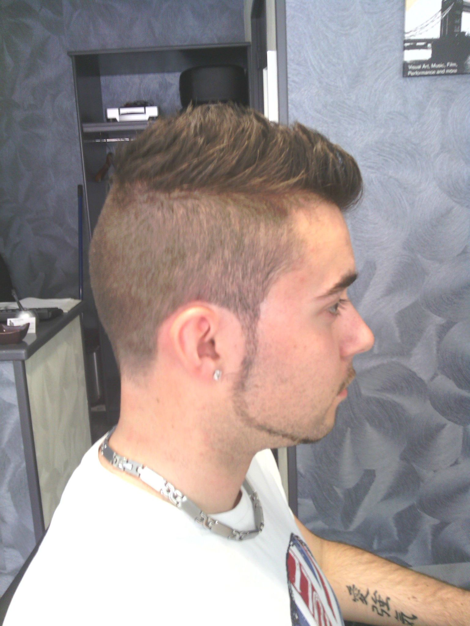 Coiffure pour cheveux court swag